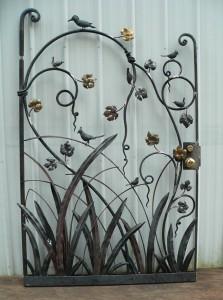 Bird gate (1)
