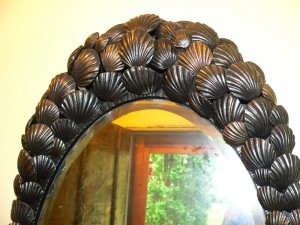 Shell mirror detail